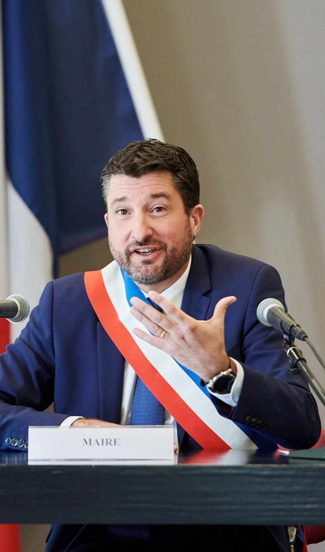 Julien Dubois élu maire de Dax, le plus jeune à en croire les archives...