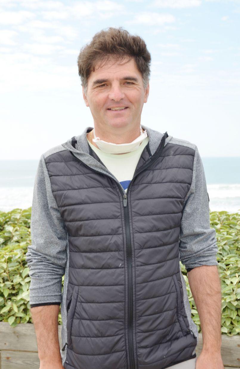 Et pendant le confinement les surfeurs landais scrutent l'horizon avec frustrations (le témoignage de Glenn et d'Andy à Biscarrosse plage. Hommage aussi dans ce journal à Jacques Lantez, le plus landais des picards s'en est allé. Il était administrateur d'FGL.