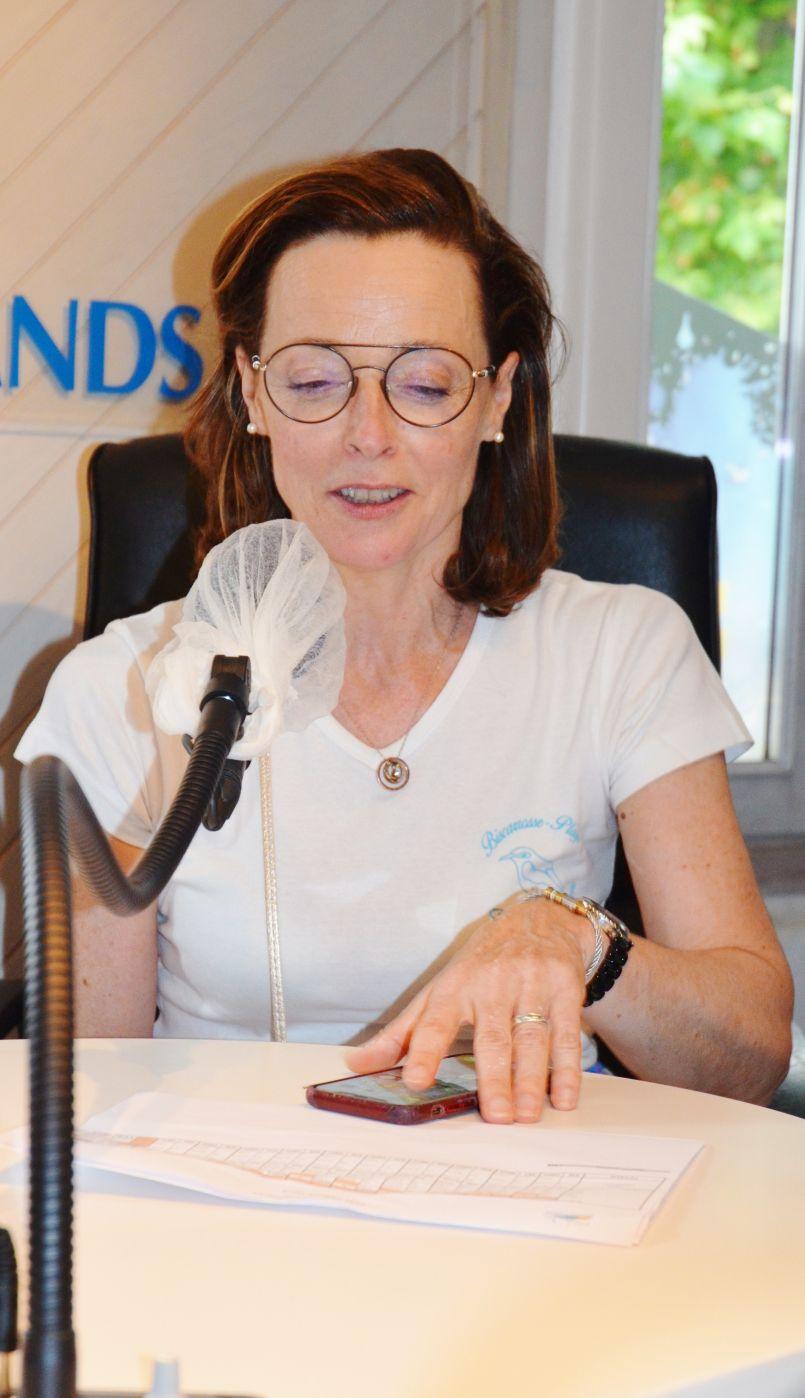 Municipales 2020 : première interview (au micro d'Hervé Delrieu) d'Hélène Larrezet, élue à Biscarrosse.