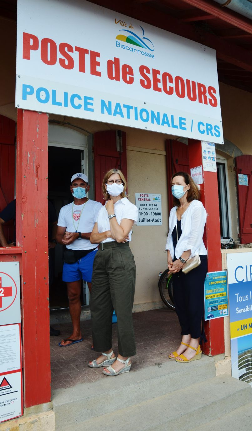 En visite, auprès des forces de sécurité à Biscarrosse-plage, la Préfète des Landes a dit au micro d'FGL qu'elle n'excluait pas (assez rapidement) un arrêté préfectoral obligeant le port du masque...