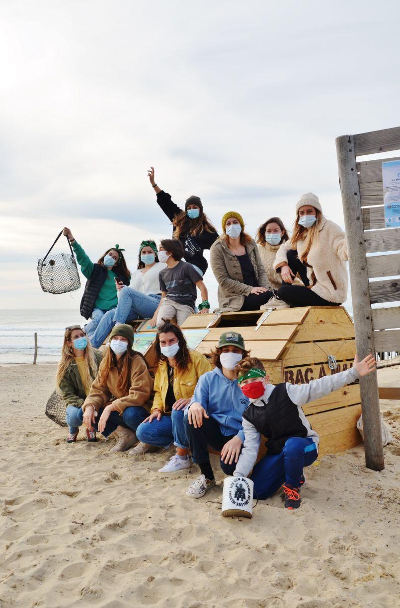 Des sirènes bienfaitrices installent à Biscarrosse Plage des Bacs à marées. Naissance d'HDO.