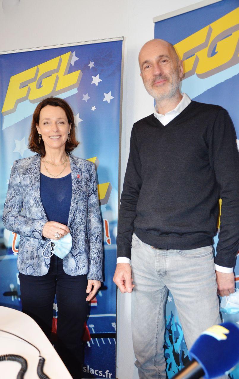 Départementales 2021 : Hélène Larrezet et Christophe Labruyère annoncent la (les) couleur(s) et se portent candidats pour les Grands Lacs, dans les studios d'FGL.