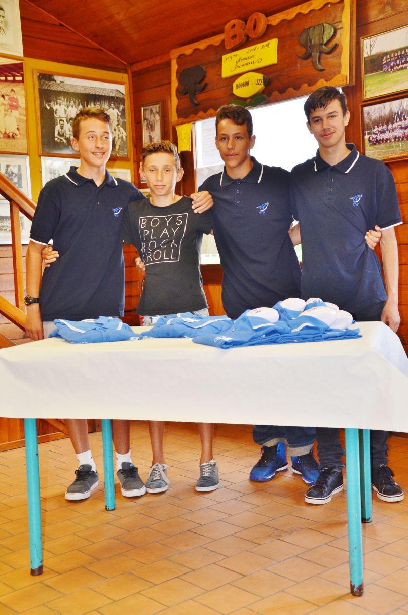 Les jeunes arbitres biscarrossais du BO Rugby, champions de France 2017, honorés.