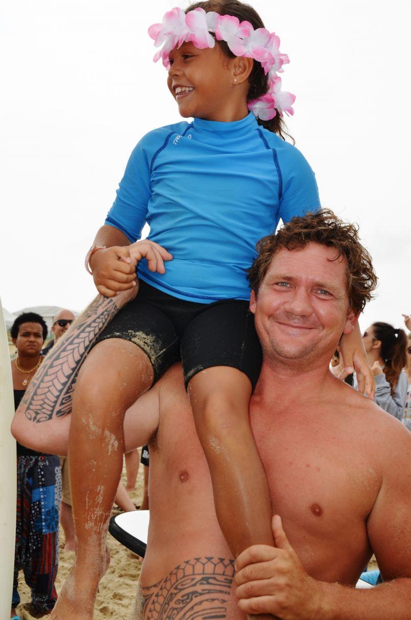 Gerbe bénie pour ce 15 août à Biscarrosse-Plage. Surfeurs, sauveteurs et confréries...