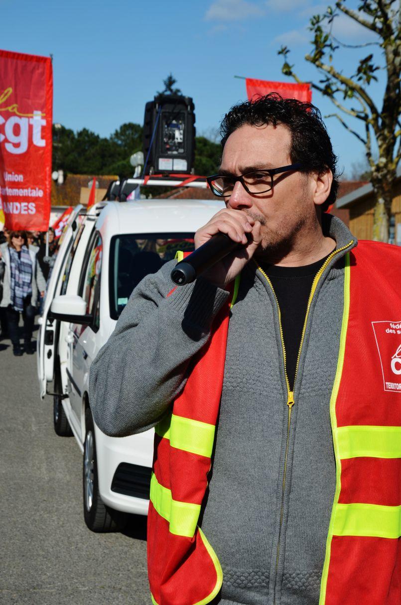 'Pour un service public de qualité, contre sa privatisation'. Manifestation biscarrossaise.