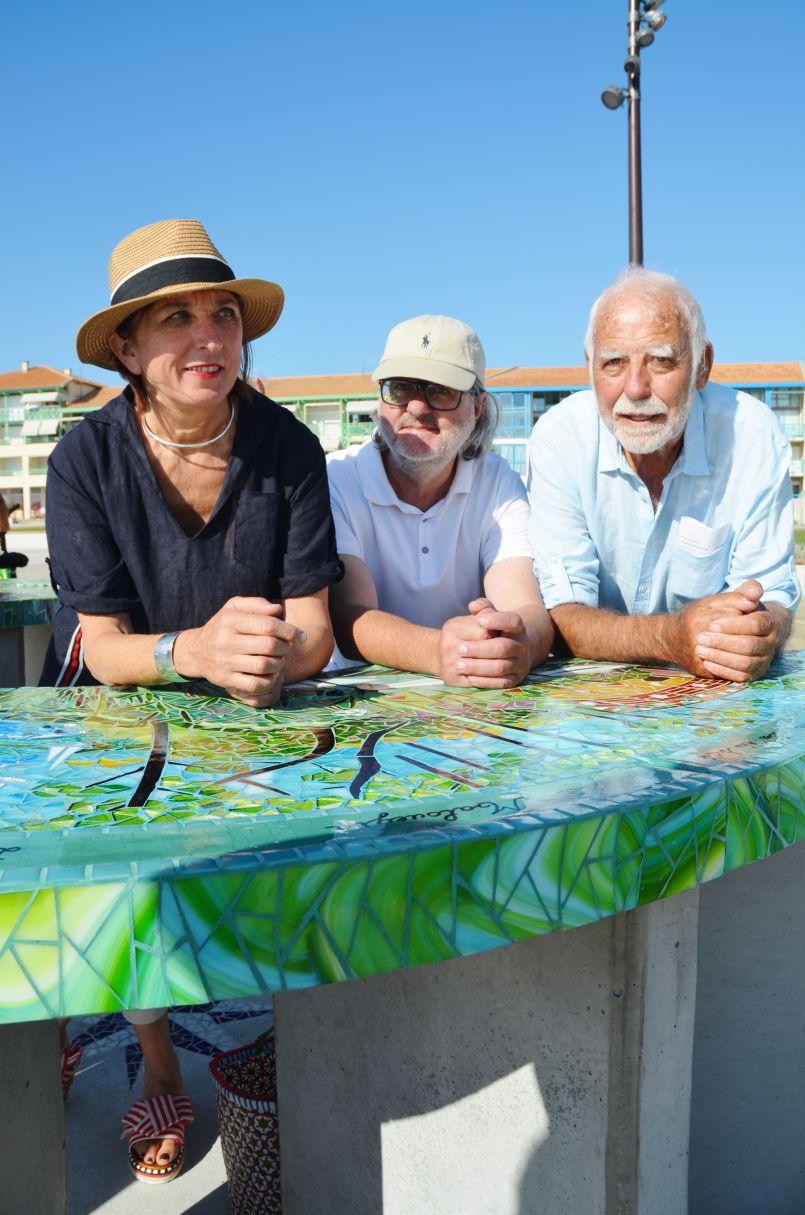 Une table panoramique en mosaïque pour Mimizan, promenade de l'Océan. La vôtre...