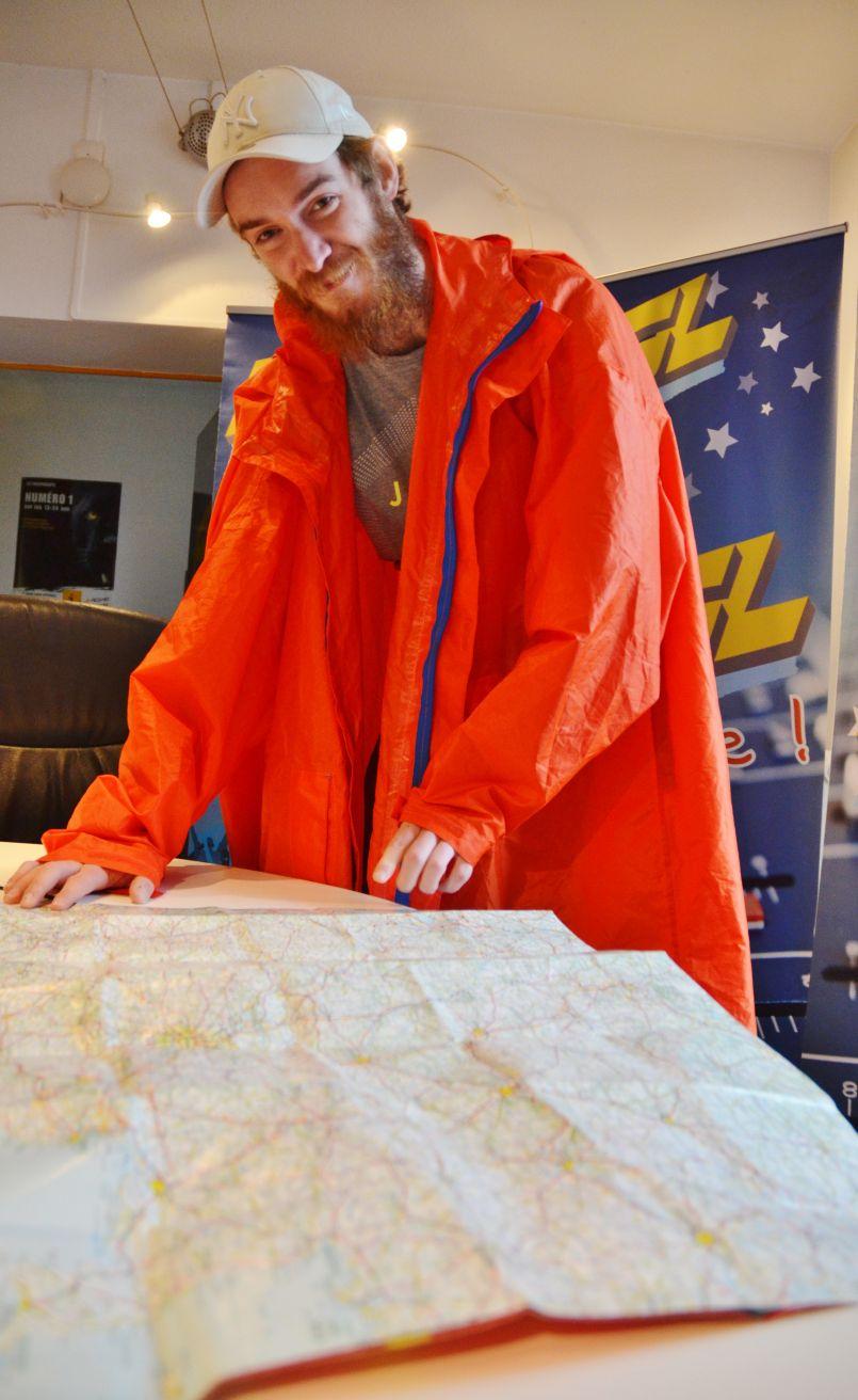Il marche seul et a parcouru 3600 Kms. Forrest Gump (Gaétan Potier) était à Biscarrosse