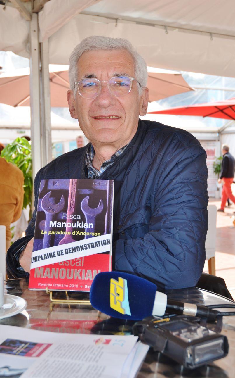Rencontre avec une figure du journalisme, Pascal Manoukian. Aujourd'hui installé sur le Bassin d'Arcachon, il est devenu romancier