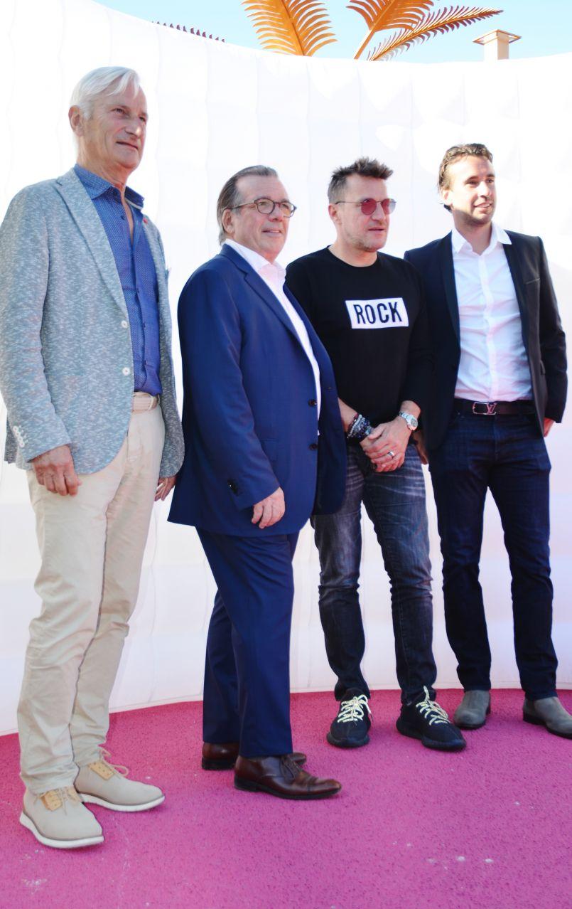 Interviews de Benjamin Castaldi, de Philippe Ginestet et de Christian Plantier...