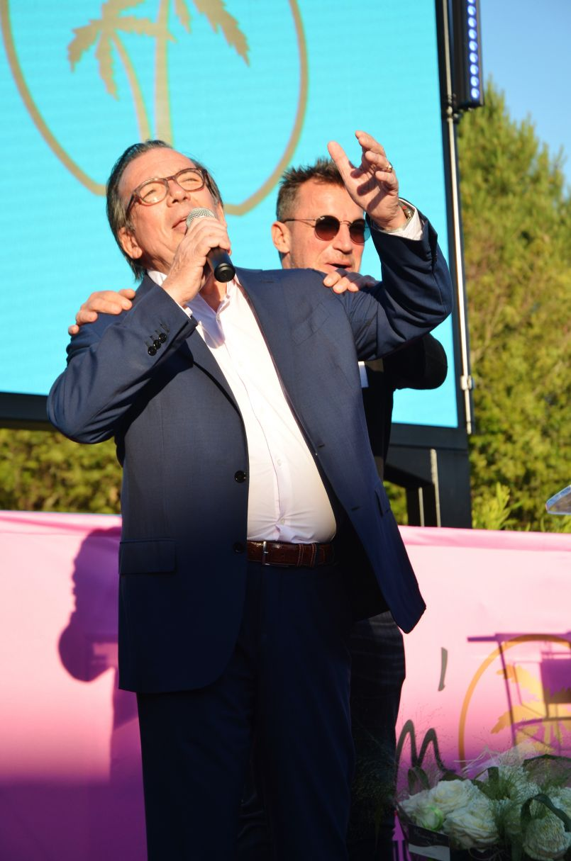 Le 'Jackpot' des terrasses 'Casino Le Stelsia de Mimizan', en présence de Benjamin Castaldi...