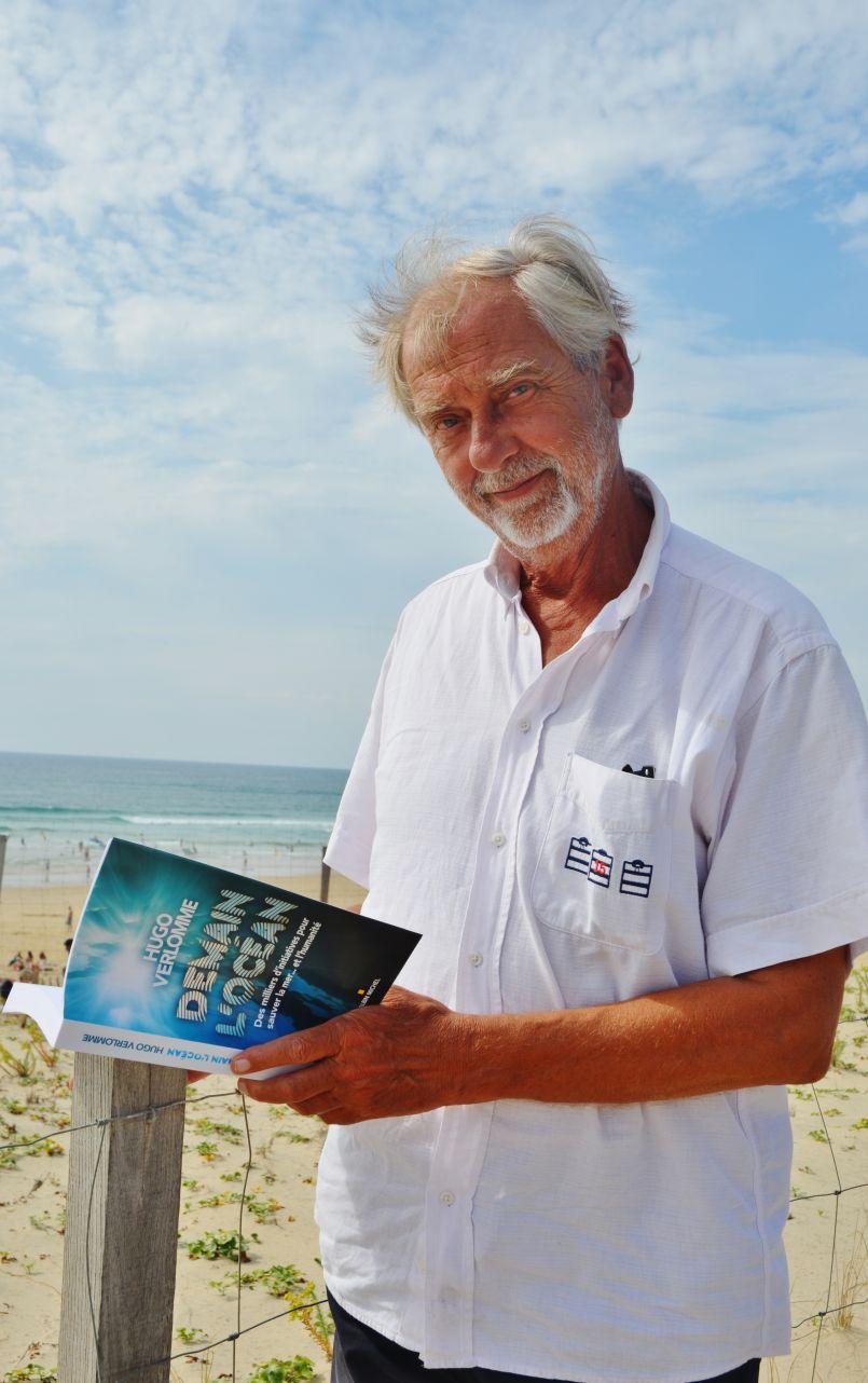 Hugo Verlomme : pause estivale biscarrossaise à 'Bibliothèque vue sur la mer'.