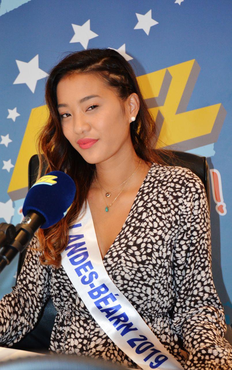Elle espère décrocher l'écharpe de Miss Aquitaine 2019, halte de Marie-Léa Lauro dans les studios d'FGL
