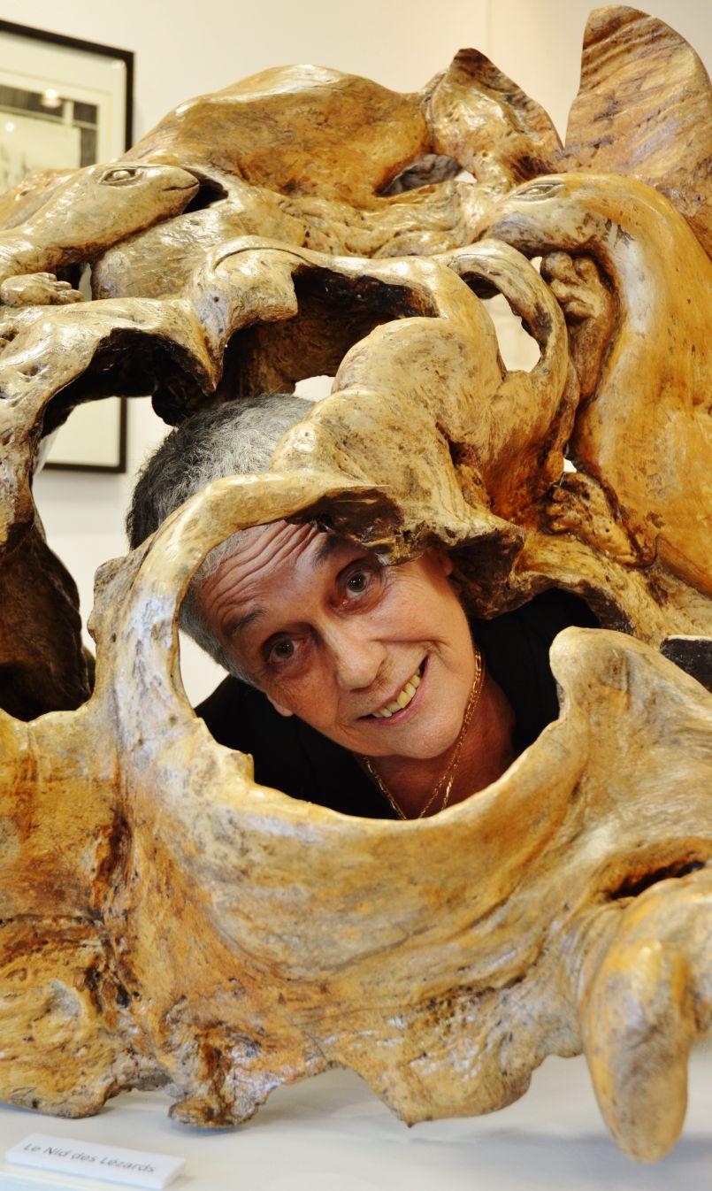 Zig : grâce à ses sculptures, elle ressuscite la légende de l'Orme de Biscarrosse. Galerie de l'Orme jusqu'au 17 novembre 2019