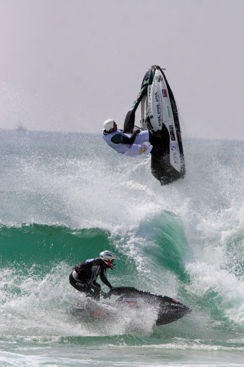 Les 'Jet Ski' vont voler ce week-end au dessus des vagues, à Biscarrosse-plage (40)