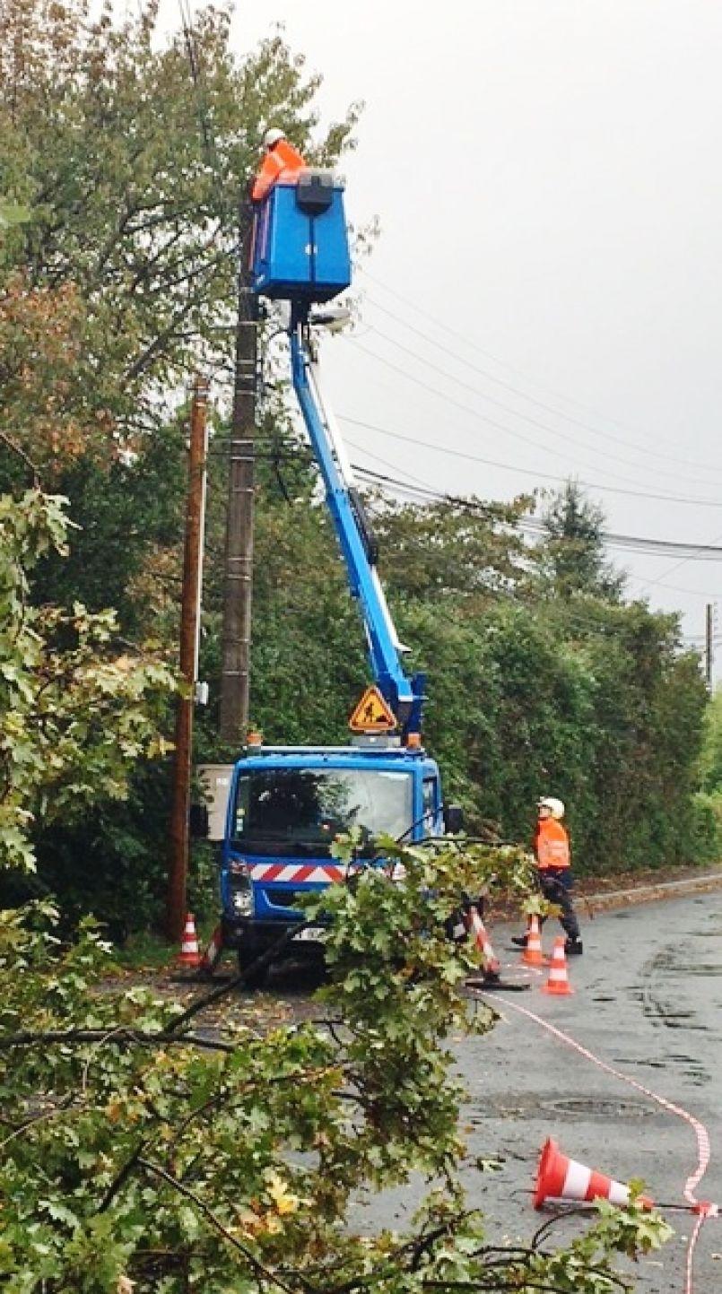 Tempête 'Amélie' : encore 950 clients landais privés d'électricité, Enedis oeuvre toujours sur le terrain...