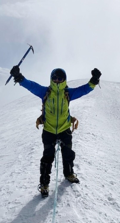 'Seul celui qui ose risquer est vraiment libre'. C'est pour celà sans doute que Christian Doyhernart a gravi le Mont Blanc. Récit d'un beau défi pour ce Biscarrossais.