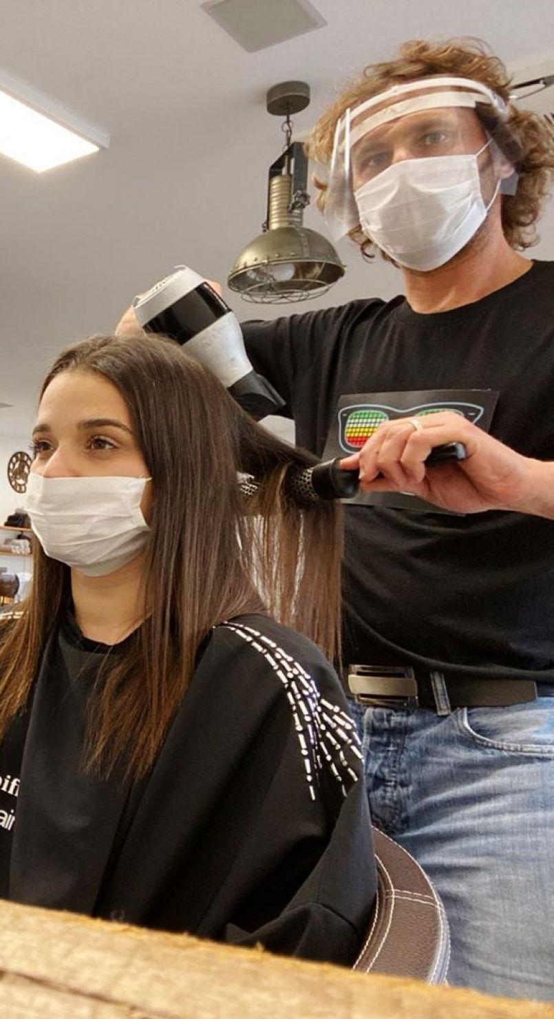 Déconfinement pour les coiffeurs landais qui ont, dès ce lundi matin, accueilli leur clientèle. Témoignage à Biscarrosse-Plage (40).