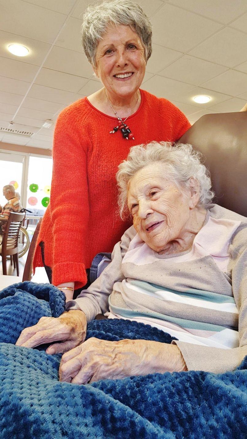 Odette Pages à Biscarrosse : une femme-enfant de 100 ans, née le jour de la St Valentin