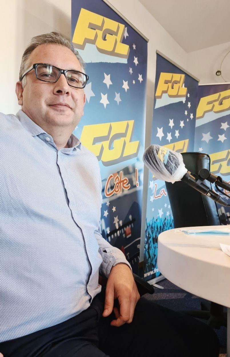 La 'Team Biscarrosse' dernièrement classée 110ème au Vendée Globe virtuel. Plus de 3600 équipes jouent à travers le monde. Interview de Patrick Poirier.